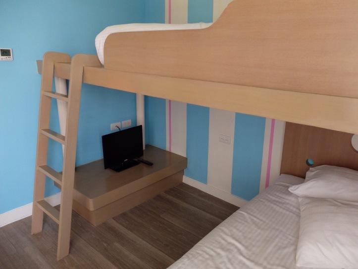 มีTV ส่วนตัวให้ที่เตียงสองชั้นของเด็กด้วยนะคะ